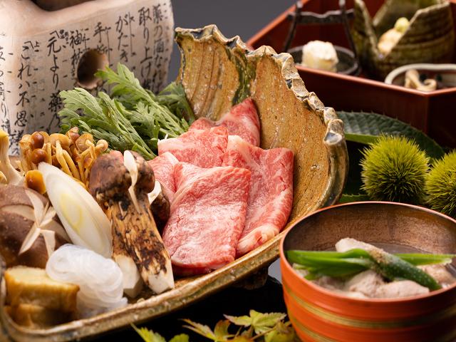 【料理茶屋「北乃寮」】飛騨牛A4サーロインのすき煮(写真は2人前)