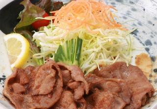 選べる定食プランは4つのメインの中から選べます♪ 豚しょうが定食です!!